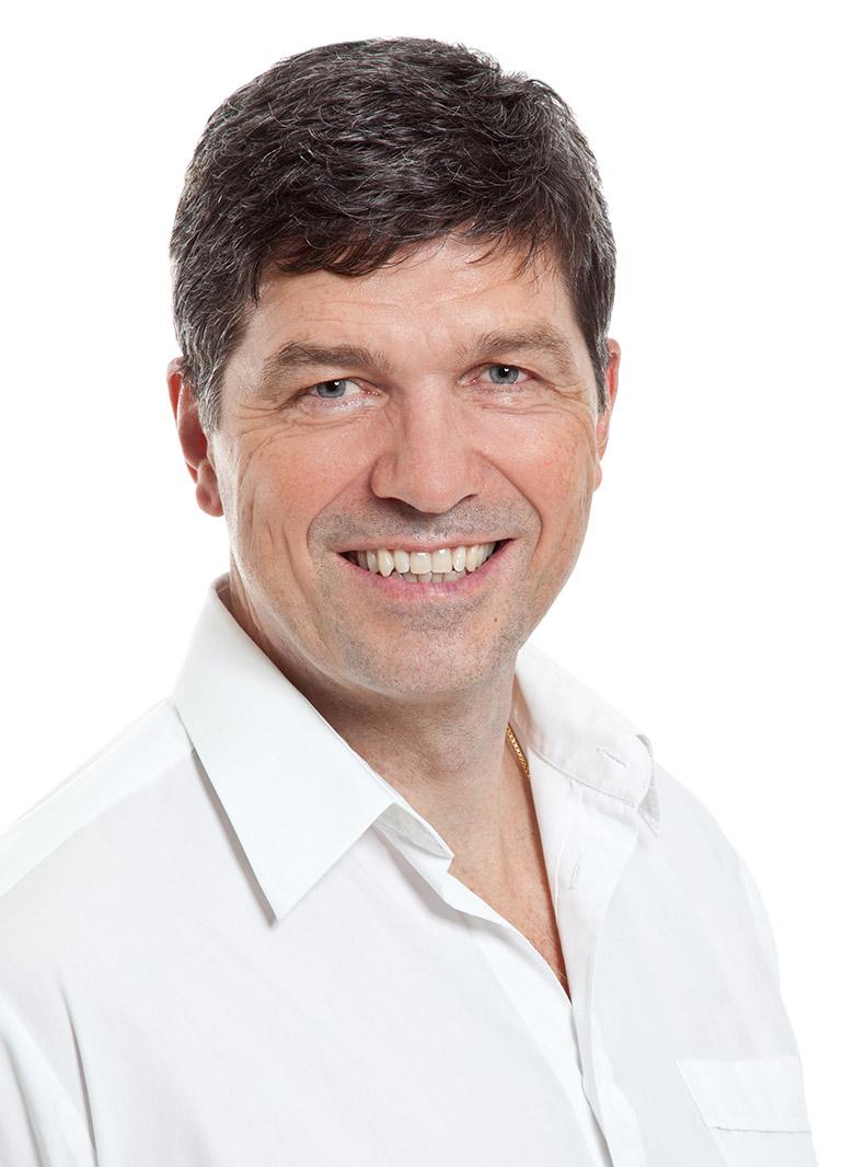 Dr. Uwe Herz